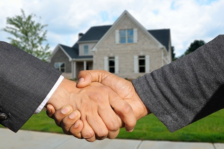 Working with Estate Agents in East Belfast to Sell Your Home Fast